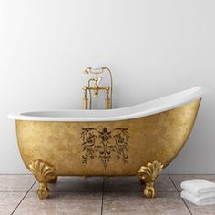 Stencil on a gold leaf bath tub - clearly something for my friends at icon ! How can you not enjoy a bath in this gilded and art-inspired tub! Do It Yourself Decoration, Do It Yourself Design, Home Fashion, Style Fashion, Mini Bad, Decoration Inspiration, Bathroom Inspiration, Bathroom Wall Art, Design Bathroom