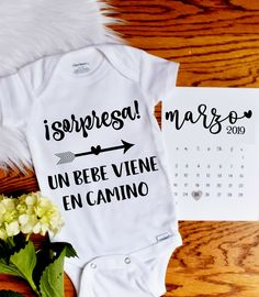Spanish Pregnancy Reveal for New Grandparents – Marissa Moulinet Spanish Pregnancy Reveal for New Grandparents Original spanish baby announcement! Pregnancy Announcement To Parents, Grandparent Pregnancy Announcement, Pregnancy Announcement Photos, Baby Boy Announcement, Pregnancy Photos, Baby Reveal Ideas To Parents, Baby Ideas, Surprise Pregnancy, Pregnancy Calendar