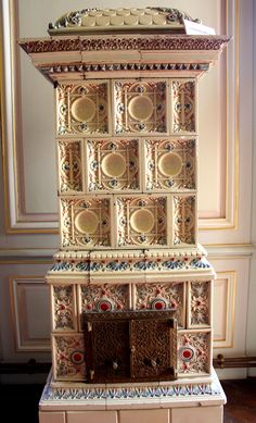 An antique stove in Yildiz Palace - İstanbul http://loveisspeed.blogspot.com.tr/2012/09/royal-yildiz-palace-and-chalet-istanbul.html