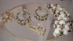 Front Door Paint Colors, Painted Front Doors, Engagement Decorations, Wedding Decorations, Engagement Ring Platter, Wedding Styles, Wedding Photos, Arabic Decor, Arab Wedding
