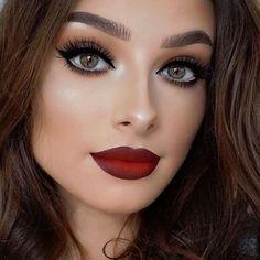 Huda Beauty Lip Contours...beautiful