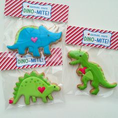 #ilovedinosaurs #valentines #dinosaurs #toocutetoeat #ediblevalentines #decoratedcookies #bananabakery