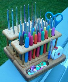 crochet hooks 20 Best Gifts for Knitters and Crocheters Best Gifts for the Knitter or Yarn Lovers 2015 GiftsForYarnLovers Crochet Tools, Crochet Gifts, Crochet Yarn, Crochet Projects, Crochet Stitches, Yarn Storage, Craft Storage, Crochet Easter, Crochet Organizer