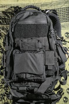 Build the ultimate urban EDC list. Tactical Packs, Tactical Backpack, Military Gear, Military Equipment, Best Survival Gear, Survival Stuff, Survival Tools, Tad Gear, Survival Clothing