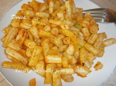 Fazuľky na cibuľke s paprikou a chilli Onion Rings, Macaroni And Cheese, Carrots, Shrimp, Meat, Vegetables, Ethnic Recipes, Food, Red Peppers