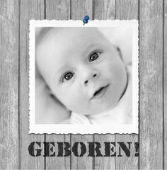 Geboortekaartje met foto op Steigerhout. De goedkoopste geboortekaartjes online ontwerpen en bestellen via http://www.geboortepost.nl/geboortekaartjes/foto-zelf-plaatsen/own-picture-on-wooden-fence-boy-vk.html