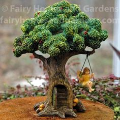 Need some low maintenance garden design ideas? Learn the fundamentals and tips to creating the perfect low mainteance outdoor space in our feature article. Fairy Garden Houses, Diy Garden, Balcony Garden, Miniature Plants, Miniature Fairy Gardens, Low Maintenance Garden Design, Planer Layout, Garden Windmill, Fairy Tree