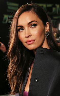 Discover famous, powerful and inspirational Megan Fox quotes. Here are the 25 best Megan Fox quotes on acting, hate, school, marriage and success. Megan Fox Quotes, Estilo Megan Fox, Fox Actress, Megan Fox Style, Megan Denise Fox, Jennifer's Body, Woman Crush, Tmnt, Makeup Inspiration
