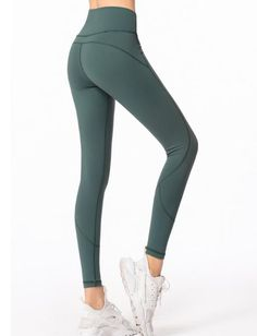 7c3f5ac613272 33 Best outfits with yoga pants images | Workout outfits, Yoga pants ...