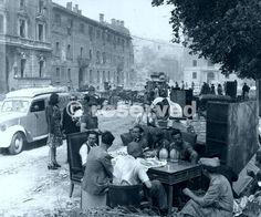 Piazza Sant'Ambrogio agosto 1943 dopo i pesanti bombardamenti_ww2