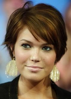 Dark Brown Short Haircuts with Side Bangs for Round Faces.