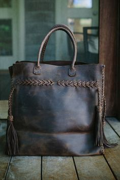 leather tote | women's fashion + style accessories