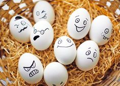 Bored with egg dyeing and dipped eggs? Try unique Easter egg designs and decorating ideas this year. Check the gallery for truly out-of-the-box decorative eggs. Funny Easter Eggs, Funny Eggs, Easter Egg Dye, Easter Egg Crafts, Easter Decor, Easter Egg Designs, Easter Ideas, Free Angel, Egg Decorating