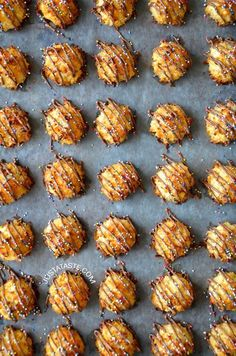 Coconut Macaroons with Chocolate #recipe from justataste.com