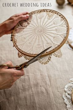 @ Mokkasin: How to make doily hoop art & dreamcatchers (diy lace ideas dream catchers)@ Mokkasin: How to make doily hoop art & dreamcatchers I love the embroidery hoop frame idea, but cutting a piece of art (which is exactly what a Doilie is). Doily Dream Catchers, Dyi Dream Catcher, Dream Catcher Wedding, Dream Catcher Nursery, Homemade Dream Catchers, Dream Catcher Painting, Dream Catcher Patterns, Dream Catcher White, Dream Catcher Earrings