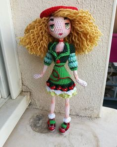 #amigurumi #amigurumidoll #amigurumidolls #amigurumilove #amigurumiaddict #amigurumis #loveamigurumi #doll #dolls #dollmaker #handmade #doityourself #diy #crochet #crochets #crochetdoll #crochetdolls #crochetaddict #poupee #fraise #strawberry #red