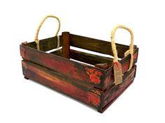 Floreira confeccionada com caixote de feira reciclado, alças em sisal e acabamento em pátina mineira.