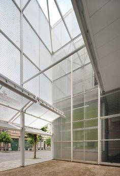 o2 architectes - paul delaby + pierre emans fabro, Filip Dujardin ·  Neighbourhood Sporthall in Brussels