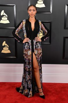 Bella Harris in Mario Dice dress and Lesilla Shoes Grammys 2017 Red Carpet Gala Dresses, Red Carpet Dresses, Evening Dresses, Stunning Dresses, Beautiful Gowns, Nice Dresses, Fashion 2017, Star Fashion, Grammy Fashion