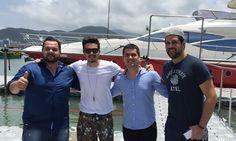 Luan Santana e Sorocaba chegam de helicóptero a Camboriú