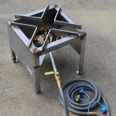 Shop BBQ Guys' selection of outdoor cookers, burners and stoves for your outdoor patio space. These gas burners and stoves on stands make for great patio stoves. Diy Grill, Barbecue Grill, Welding Crafts, Welding Projects, Backyard Bbq Pit, Stoves Cookers, Brick Bbq, Commercial Kitchen Equipment, Outdoor Stove