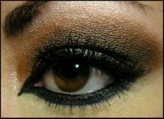 How to Wear Black Eye Makeup the Right Way makeup tips for green eyes,  How to Wear Black Eye Makeup the Right Way, best way to wear makeup with blue eyes, best way to wear makeup with brown eyes,
