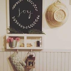 Igen tudom nem magyarul van, de olyan klasszak ezek az angol feliratok ki kellett próbálni! #chalkboardart #ourkitchen #colorsofourchristmas #countrychristmas Joy, Photo And Video, Instagram, Home Decor, Decoration Home, Room Decor, Glee, Being Happy, Home Interior Design