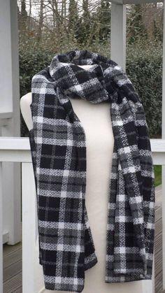 a338b6ae08f5 grande écharpe couverture femme laine noir gris et blanc Grande Echarpe  Femme, Écharpe Couverture,