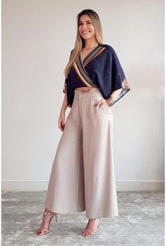 Jumpsuit Outfit Pants Outfit Summer Outfits Women Classy Outfits Casual Outfits Cotton Linen All About Fashion Plus Size Fashion Aries Look Fashion, Fashion Pants, Hijab Fashion, Girl Fashion, Fashion Dresses, Dress Indian Style, Indian Outfits, Kurta Designs, Blouse Designs