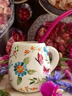 Glass Ceramic, Ceramic Clay, Ceramic Painting, Ceramic Pottery, Painted Coffee Mugs, Painted Cups, Pottery Painting Designs, Pottery Designs, Cool Mugs