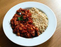 Pas envie de préparer un plat compliqué ?  Laissez-vous tenter par ce plat indien épicé:  Masala aux aubergines et pois chiche