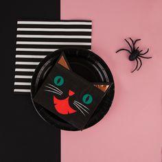 Bientôt Halloween !!! Si on faisait une fête peuplée de chatons avec une dominante de rose ?!