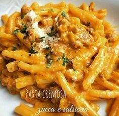 Pasta cremosa alla zucca e salsiccia - Cremige Nudeln Sausage Recipes, Pasta Recipes, Cooking Recipes, Healthy Recipes, Pasta Cremosa, Sausage Pasta, Creamy Pasta, Polenta, Ravioli