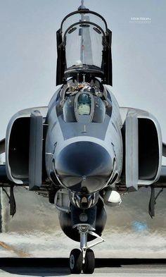 Military Jets, Military Weapons, Military Aircraft, Airplane Fighter, Fighter Aircraft, Air Fighter, Fighter Jets, Photo Avion, F4 Phantom