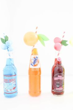 Sweet and colorful fruit balloon straws for your summer parties! Lemons, limes, pineapples, strawberries, cherries, peach, orange, grapes, blueberries! via A Joyful Riot-19