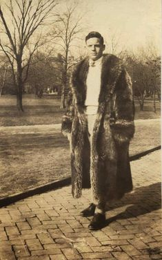 Preppy style from 1940s 1950s. Racoon coat.