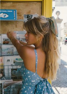 lange Haarmodelle - langes Haar und blaues Kleid long hair models - long hair and blue dress Summer Hairstyles, Hairstyles With Bangs, Pretty Hairstyles, Blonde Hairstyles, Wedding Hairstyles, Summer Outfits, Cute Outfits, Grunge Hair, Mode Inspiration