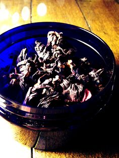 Witches Herbs hibiscus Flower: Attracting love and lust, divination, and dreams. Carry in a sachet or burn as incense to attract love. These flowers have been used throughout centuries as an aphrodisiac.