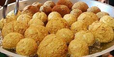CAIN  LEMONTRI: Ini Bagoja, Bakso Goreng Gajah Berisi Daging Ayam ...