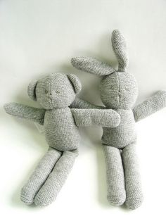 Google Image Result for http://image.made-in-china.com/2f0j00EvwQursMHtoC/Knitted-Bear-and-Bunny-B23005.jpg