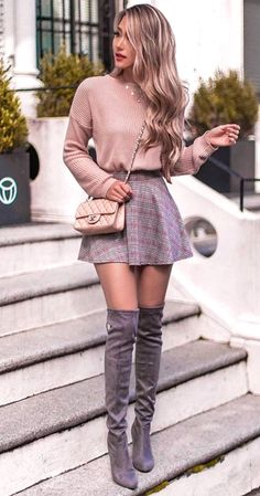best outfit idea with a skirt : bag blush sweater over knee boots - Sweater Weather Outfits Classy Winter Outfits, Casual Fall Outfits, Winter Fashion Outfits, Cute Fashion, Look Fashion, Fashion Ideas, Summer Outfits, Feminine Fall Outfits, Sweater Fashion