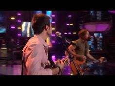Keith Urban & Kris Allen - Kiss a Girl [American Idol Performance Full] - Everybody loves Kreith! // No one loves them more than me <3 :D