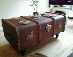 Fabulous 1910 to 1940's vintage steamer trunk coffee table/storage. 65.00