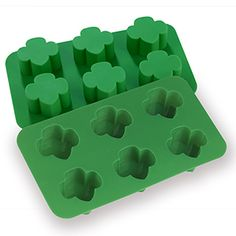 TREFOIL SHAPED SILICONE CUPCAKE MOLD $14.00