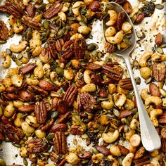 Spicy nuts I Ottolenghi recipes I Double or triple the quantities: you'll easily get hooked. Yotam Ottolenghi, Ottolenghi Recipes, Nut Recipes, Vegetarian Recipes, Cooking Recipes, Healthy Recipes, Savory Snacks, Healthy Snacks, Otto Lenghi