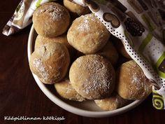 Kääpiölinnan köökissä: Bun is on my mind - pehmeät pellavansiemen-seesamsämpylät