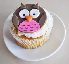 owl cupcake topper in fondant... maybe do it in chocolate