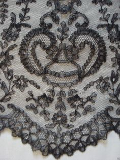 Long Antique Handmade Chantilly Silk Bobbin Lace Bonnet Hat Veil CW | eBay