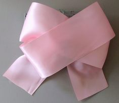 Make gorgeous & trendy JoJo bows for young girls using bow making crafts ideas. Create stylish DIY boutique hair bow with Bowdabra bow making large tool. Jojo Hair Bows, Easy Hair Bows, Big Hair Bows, Jojo Bows, Ribbon Hair Bows, Making Hair Bows, Bow Making, Ribbon Bow Diy, Ribbon Flower