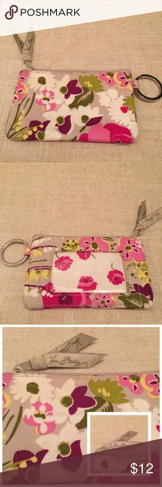 """🌸🌺 👛 NWOT Vera Bradley ID Coin Purse 👛 🌸🌺👛 NWOT Vera Bradley ID Coin Purse retired pattern """"Make Me Blush"""" w/ Poppy interior. 5"""" x 3"""" compact case w/ key ring + zipper closure PERF for running errands 💕 fits ID, metrocard or train pass, 💳s + 💵  silver signature key ring, front ID window,   machine wash cold, gentle cycle, line dry  ⭐️⭐️⭐️⭐️⭐️ Top Rated Seller 📦⚡️Fast Shipping Smoke-Free, Pet-Free 🏡 🛍 Bundle for discounts Sorry ⛔️ tradesies, every 💵 counts right now ↬ Reasonable…"""